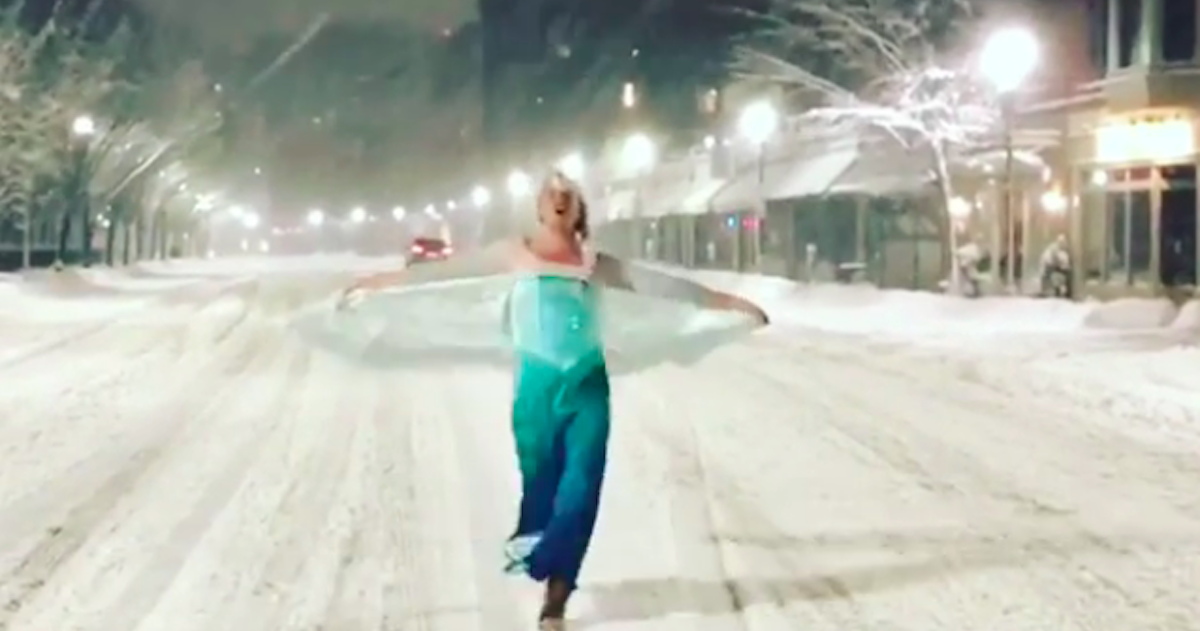 A Drag Queen Dressed As Elsa Helping A Boston Police Wagon During A Blizzard Just Sounds Right
