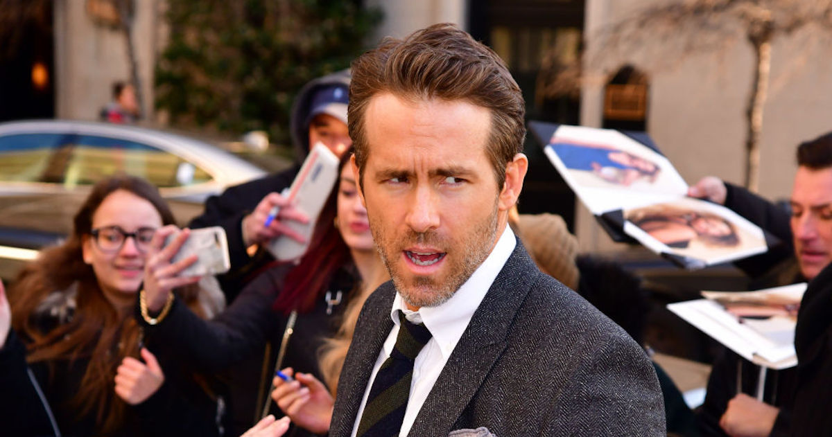 Ryan Reynolds Just Congratulated The Avengers Using Deadpool's Brutal Rejection Letter