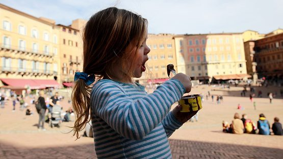 Viral story vegan buys ice cream, girl buys ice cream for young girl